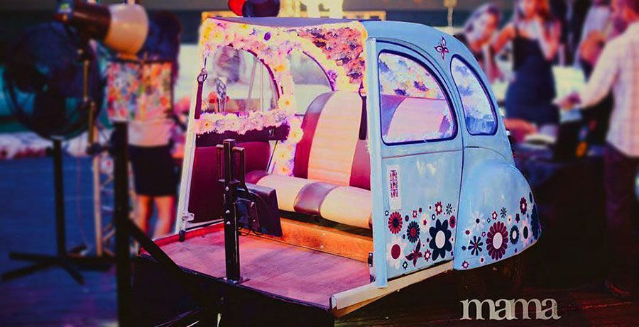 photo booth Israel in vintage car