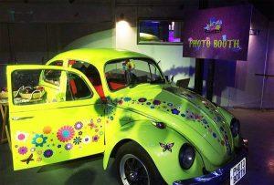 אטורקציה לחתונה בחיפושית צבעונית